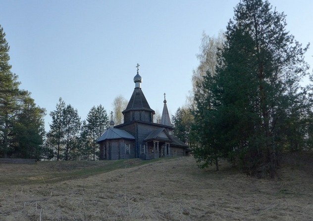 церковь возле озера светлояр