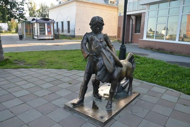 памятник героям ершова