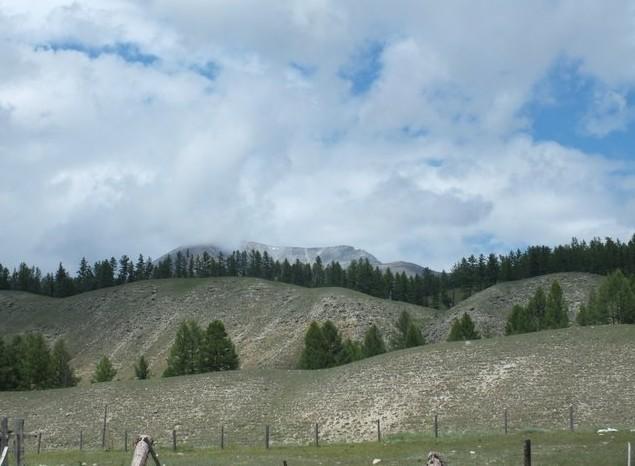необычные горы возле монды