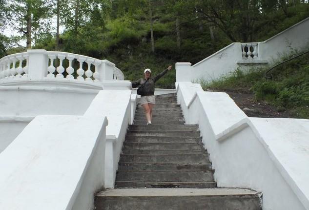 белая лестница аршан