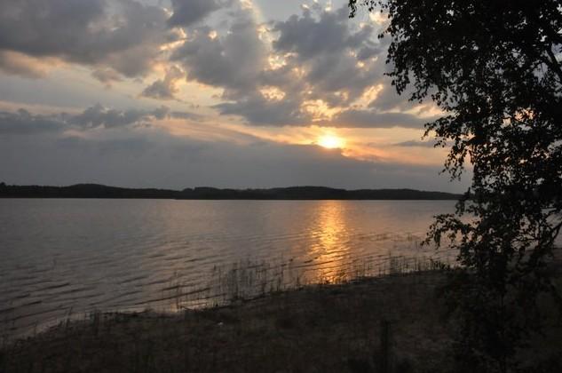 озеро Янисъярви вечером