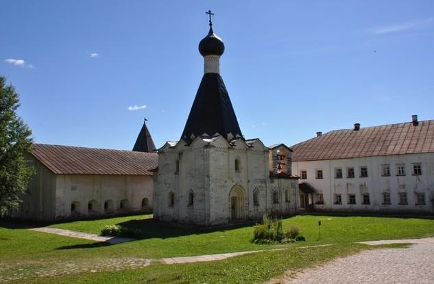 поездка на машине в Кирилло-Белозерский мужской монастырь