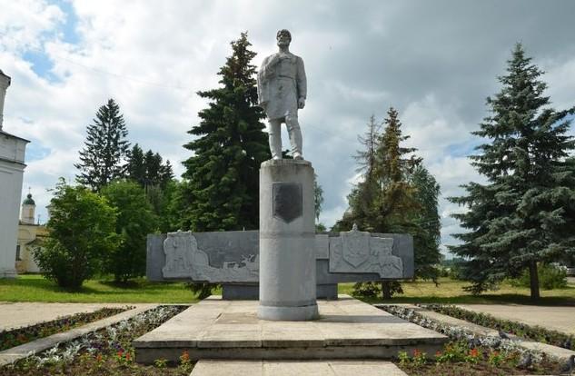 Памятник Семёну Дежнёву