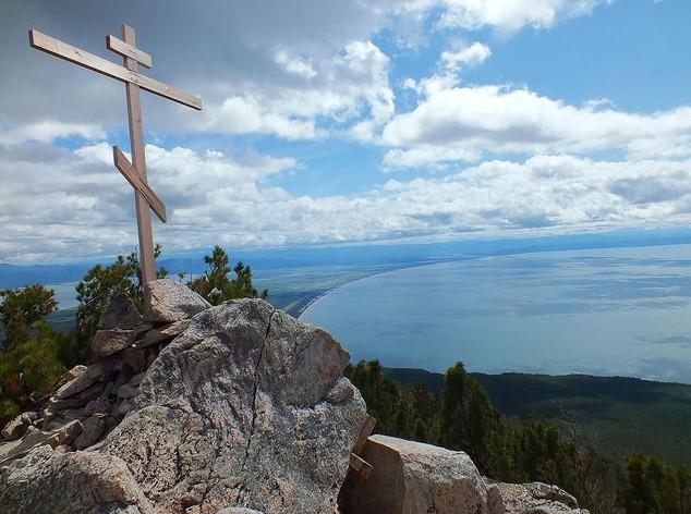 крест на вершине