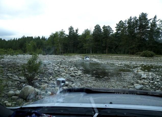 дорога на умхей по руслу реки