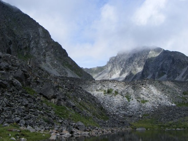 пик Броненосец Аршан озеро Дождевое