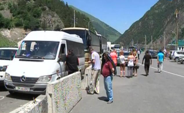 закрыто движение на военно-грузинской дороге