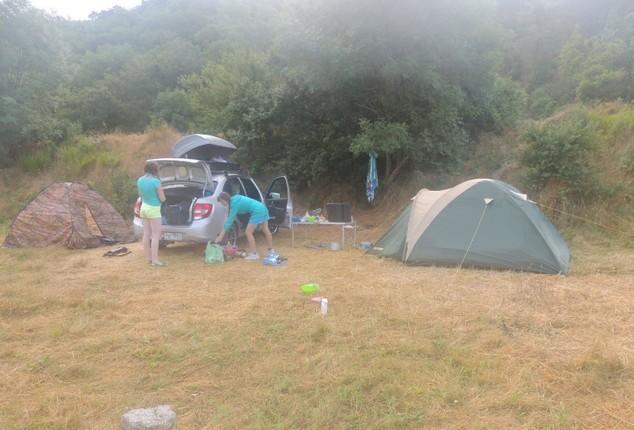 палаточный лагерь на море