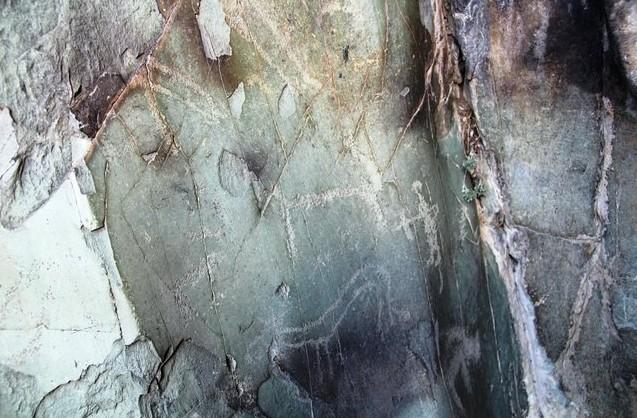 наскальные рисунки на алтае грот куюс