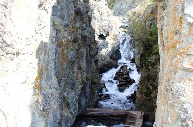 водопад Бельтертуюк горный алтай