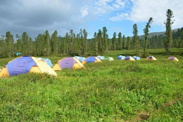 палаточный лагерь в ергаки