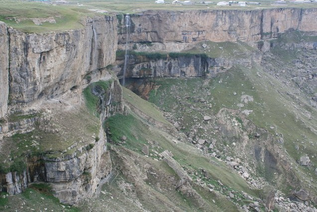 хунзахский водопад  дагестан