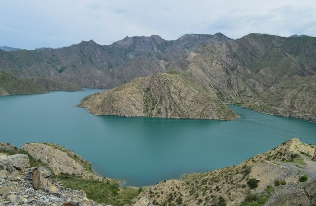 река Нарын на Алай в киргизии