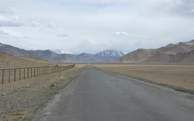 на памире вдоль китайской границы
