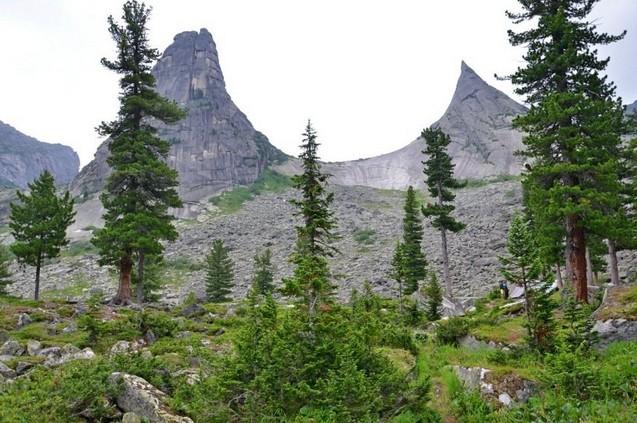 поездка на скалу парабола