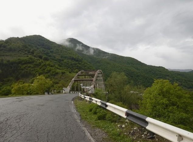 грузинская дорога в мае