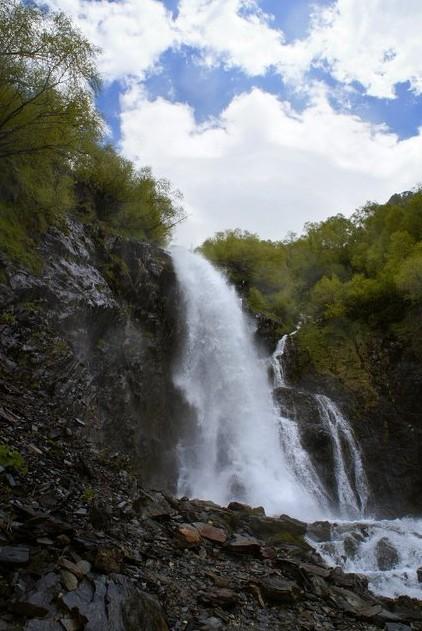 верхняя ступень Чучхурского водопада тебердинский заповедник
