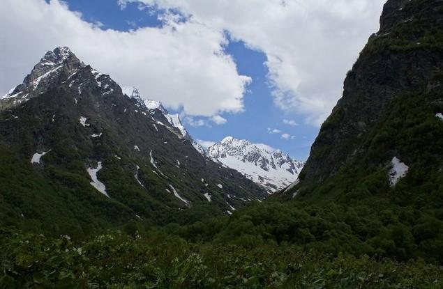 красивые горы в домбае