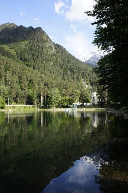 озеро Кара-Кёль на домбае