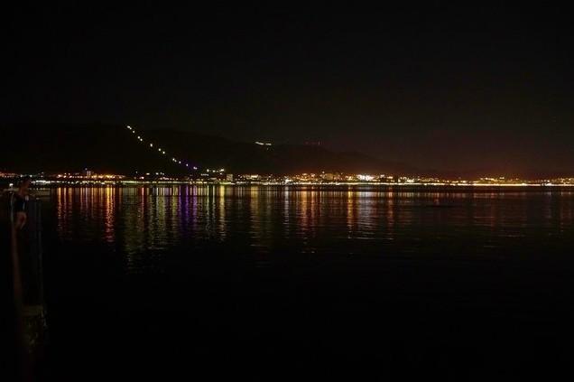 ночной пляж в геленджике