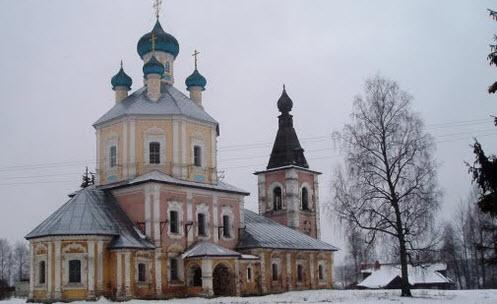Трасса А111, церковь деревня Рогожа