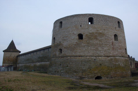 Государева и Головина башни, трасса М18