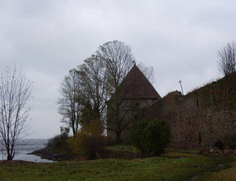 Королевская башня, достопримечательности трассы М18