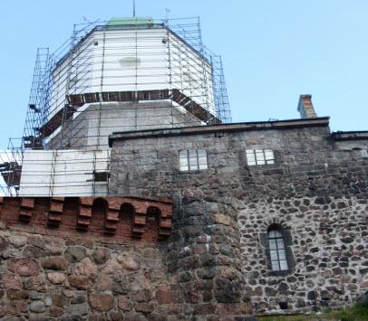 Башня Сапожника, северный корпус и башня св. Олафа, трасса М10