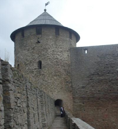 Воротная башня, достопримечательности трассы М11