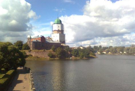 Выборгский замок, достопримечательности трассы М10