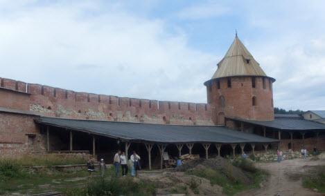 Митрополичья башня, Новгород, трасса М10