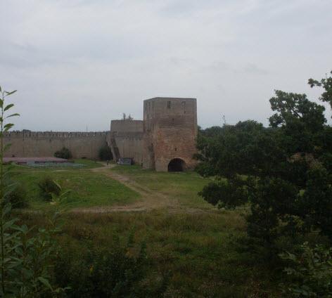 Набатная башня, достопримечательности трассы М11