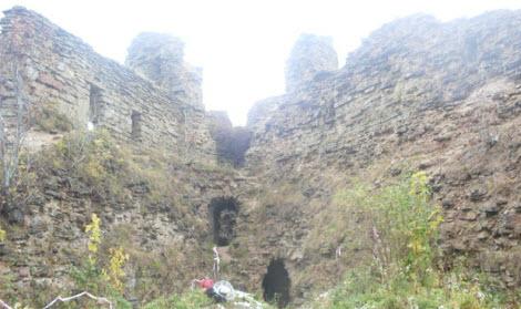 Наугольная башня, Копорская крепость, достопримечательности трассы М11