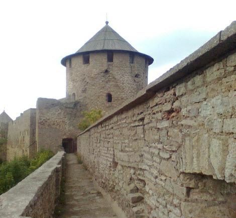 Осьмиугольная башня, достопримечательности трассы М11