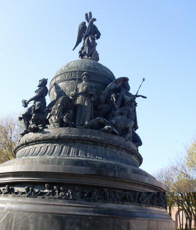 Памятник 1000 лет России, достопримечательности трассы М10