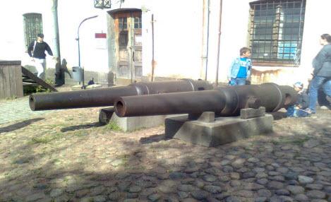 Пушки в замке, выборг, трасса М10