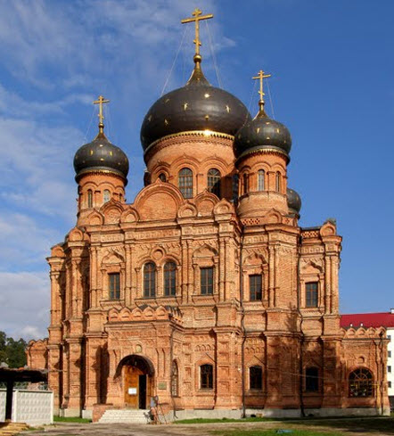 Спасо-Преображенский Гуслицкий монастырь, трасса А108, Куровское, дорога А108