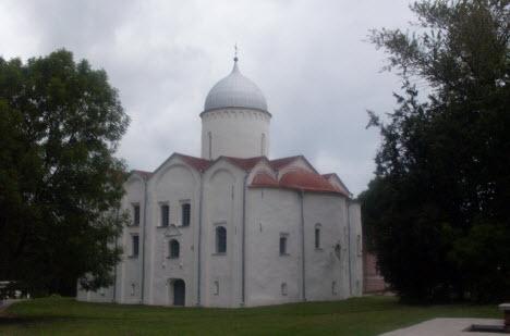 Церковь Иоанна на Опоках, Новгород, трасса М10