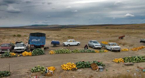 Вид с трассы Р228, базар, арбузы, дыни