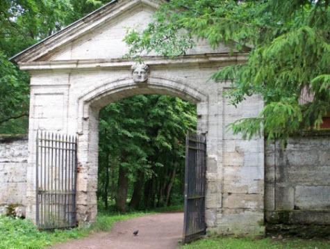 Сивильские ворота, Гатчина, достопримечательности трассы М20