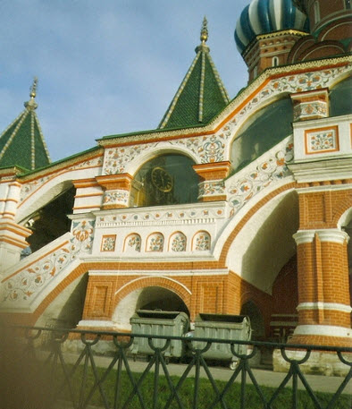 Храм Василия Блаженного, крыльцо с лестницей