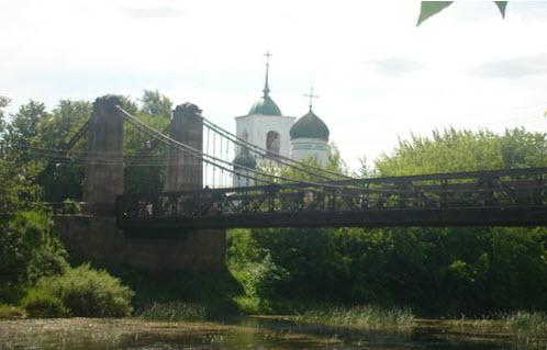 Цепной мост и Никольская церковь в острове