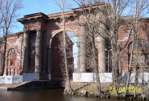 Ворота в новую Голандию, Петербург