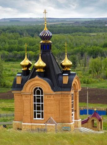 Покровский монастырь, трасса Р224, храм над входом в пещеры