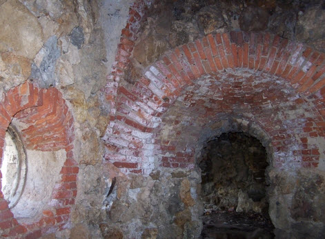 Руины башни, вид внутри, Стрельна