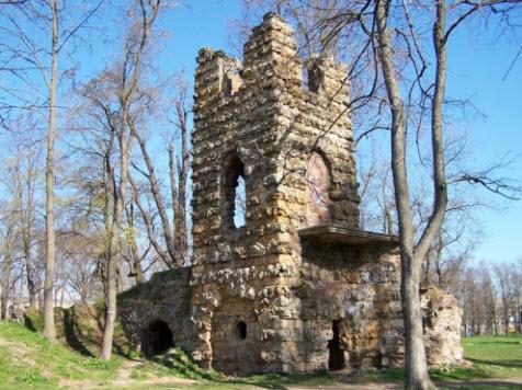 Руины башни в усадьбе Орлова, Стрельна