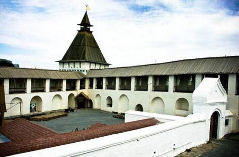 Артиллерийская (Пыточная) башня и Артиллерийский (Зелейный) двор