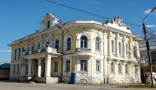 Дом купцов Неворотиных, Бежецк, трасса Р84
