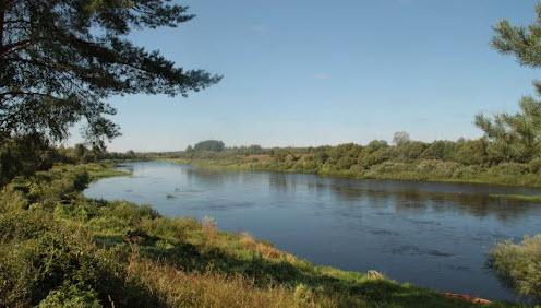 Вид с трассы Р131 в районе Беляево, река Западная Двина
