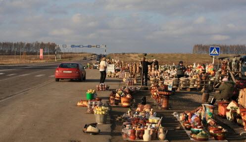 Придорожная торговля скопинской керамикой, трасса М6 и трасса р127